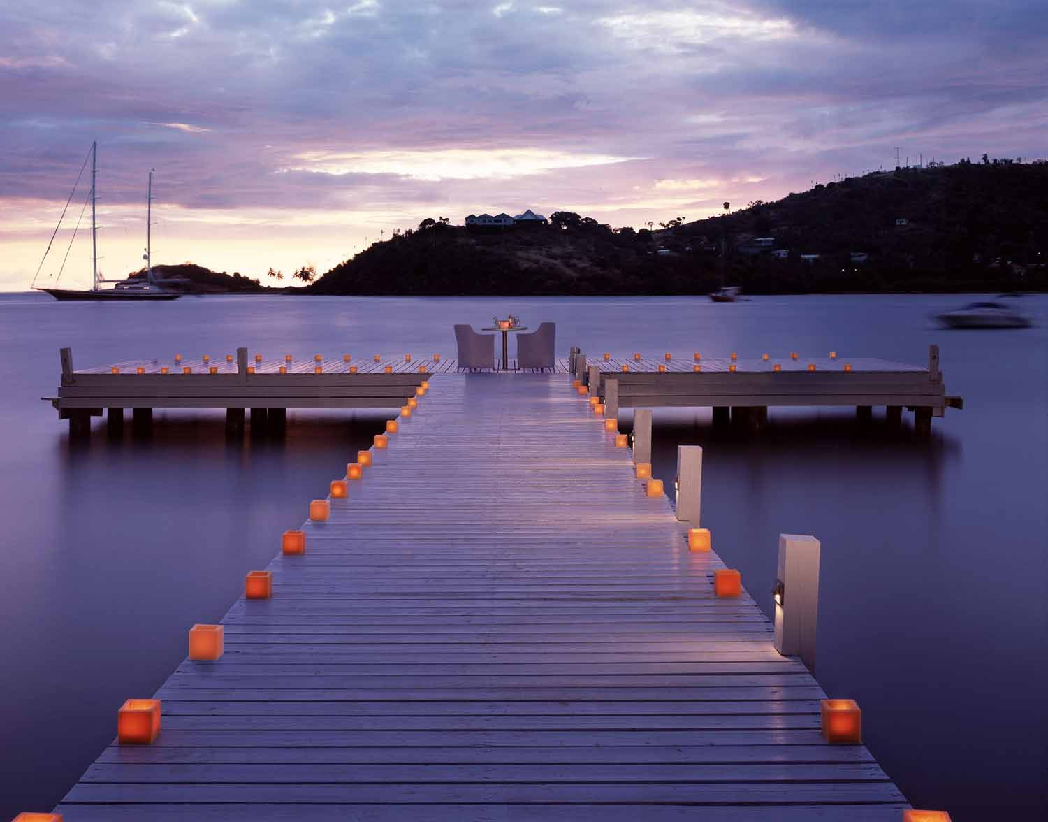 44Candlelit dining on the jetty - Carlisle Bay